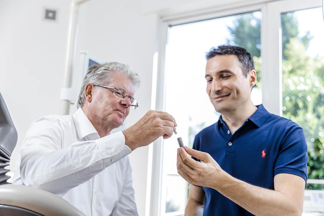Implantologie Viersen - Guen - Beratung