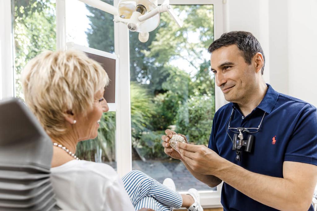 Implantologie Viersen - Guen - Leistungen - Ästhetische Zahnheilkunde