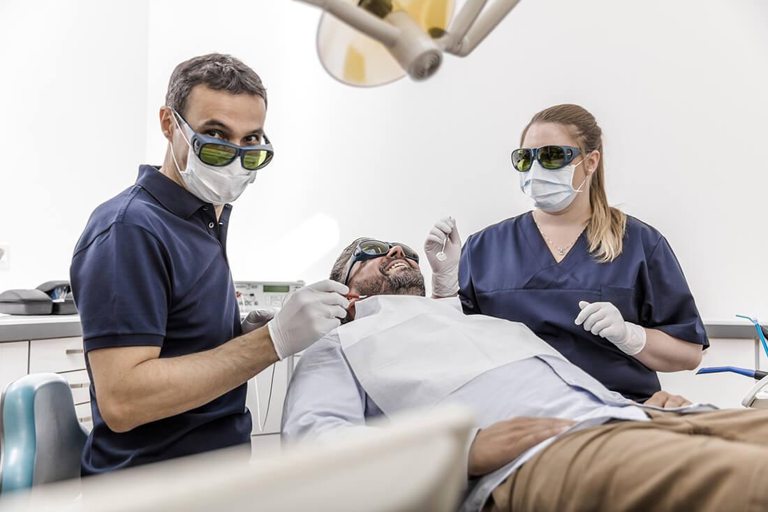 Zahnarzt Viersen - Guen - Leistungen - Laserbehandlung in unserer Praxis