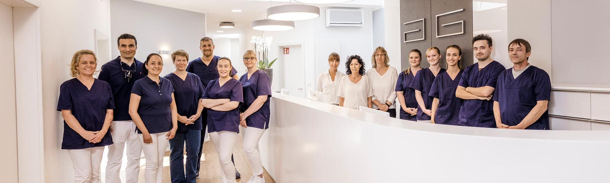 Zahnarzt Viersen - Guen - Team Slider