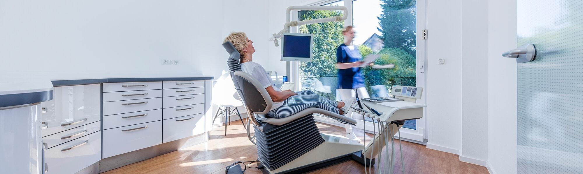 Zahnarzt Viersen - Guen - Praxis Slider